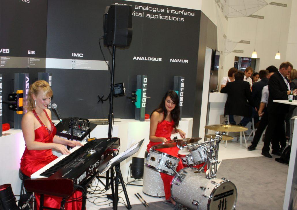 Damenband Angel-Eyes Loungemusik by Uta Sophie Halbritter 6