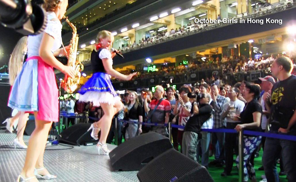 Oktober Fest Kapelle Damenband October Girls spielt die Wiesn Hits weltweit