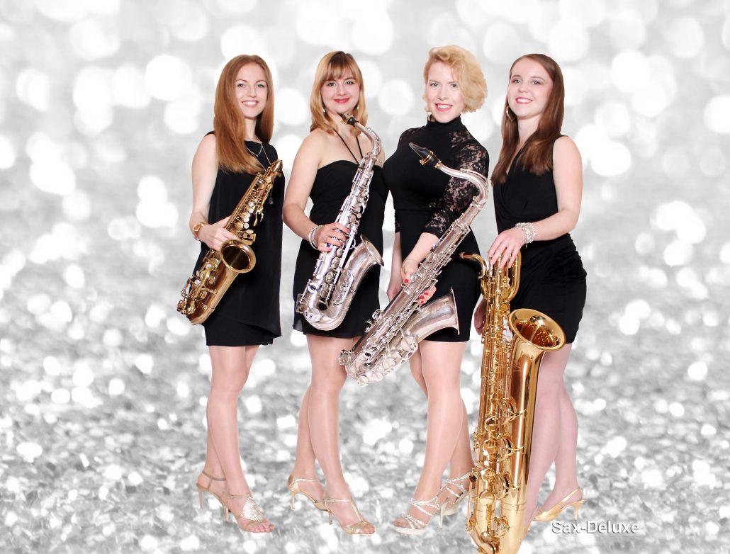 Saxophonband Sax-Deluxe von Uta Sophie Halbritter ist eine Damenband für Events, die flanierende Live Musik macht